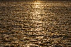 Χρυσή σύσταση θάλασσας Στοκ φωτογραφία με δικαίωμα ελεύθερης χρήσης