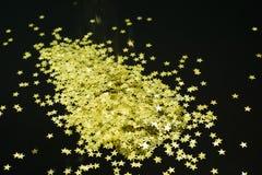 Χρυσή ταπετσαρία θαμπάδων υποβάθρου Στοκ φωτογραφία με δικαίωμα ελεύθερης χρήσης