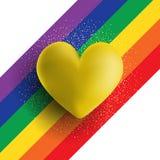 Χρυσή τρισδιάστατη καρδιά σε ένα ριγωτό υπόβαθρο ουράνιων τόξων ελεύθερη απεικόνιση δικαιώματος