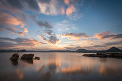 Χρυσή ώρα όχθεων της λίμνης σε Gudibande, Karnataka Στοκ φωτογραφίες με δικαίωμα ελεύθερης χρήσης