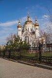 Χρυσοί θόλοι της εκκλησίας petro-Fevronievsky στο Ntone'tsk στοκ εικόνα με δικαίωμα ελεύθερης χρήσης