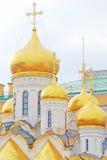 Χρυσοί θόλοι της παλαιάς Ορθόδοξης Εκκλησίας Στοκ Φωτογραφίες