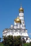 Χρυσοί θόλοι των καθεδρικών ναών της Μόσχας Κρεμλίνο στοκ φωτογραφίες