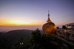 Χρυσός βράχος Kyaiktiyo, το Μιανμάρ Στοκ εικόνα με δικαίωμα ελεύθερης χρήσης