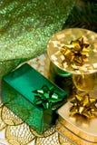 χρυσός δώρων κιβωτίων Στοκ φωτογραφίες με δικαίωμα ελεύθερης χρήσης