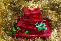χρυσός δώρων Χριστουγέννων Στοκ φωτογραφίες με δικαίωμα ελεύθερης χρήσης