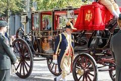 Χρυσός καναπές του Αλεξάνδρου ο βασιλιάς της οικογένειας ολλανδικών αδελφών Στοκ Εικόνες