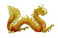Χρυσός κινεζικός δράκος στο υπόβαθρο απομονώσεων στοκ εικόνες με δικαίωμα ελεύθερης χρήσης