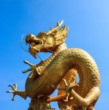 Χρυσός κινεζικός δράκος της Ταϊλάνδης Στοκ Εικόνα
