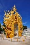 χρυσός ναός γλυπτών khun rong wat Στοκ Φωτογραφίες