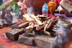 Χρυσός ναός Κατμαντού Hinduism Bramin Puja στοκ εικόνες