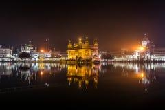 χρυσός ναός νύχτας Στοκ Φωτογραφία