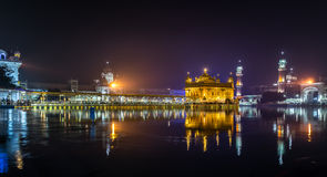 χρυσός ναός νύχτας Στοκ φωτογραφίες με δικαίωμα ελεύθερης χρήσης