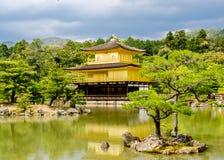 Χρυσός ναός περίπτερων στοκ φωτογραφία