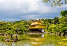 Χρυσός ναός περίπτερων στοκ φωτογραφίες