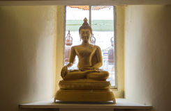 χρυσός ναός Ταϊλανδός εικόνας του Βούδα Στοκ φωτογραφίες με δικαίωμα ελεύθερης χρήσης