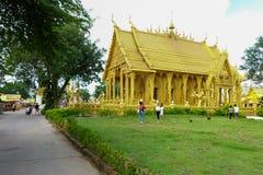 Χρυσός ναός χρωμάτων, Wat Pak Nam Jolo, κτύπημα Khla, Chachoengsao Ταϊλάνδη Στοκ Φωτογραφίες
