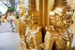 Χρυσός ναός χρωμάτων, Wat Pak Nam Jolo, κτύπημα Khla, Chachoengsao Ταϊλάνδη Στοκ φωτογραφία με δικαίωμα ελεύθερης χρήσης