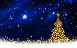 Χρυσός ουρανός χριστουγεννιάτικων δέντρων και αστεριών Στοκ φωτογραφία με δικαίωμα ελεύθερης χρήσης