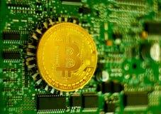 Χρυσός πίνακας επεξεργαστών ηλεκτρονικών υπολογιστών Bitcoin Στοκ Εικόνα