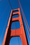 Χρυσός πύργος γεφυρών πυλών Στοκ φωτογραφία με δικαίωμα ελεύθερης χρήσης