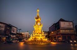 Χρυσός πύργος ρολογιών σε Chiang Rai Στοκ Εικόνες