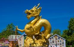 Χρυσός δράκος στη νότια Ταϊλάνδη Phuket Στοκ Φωτογραφία