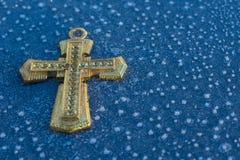 Χρυσός σταυρός πάγου Στοκ φωτογραφία με δικαίωμα ελεύθερης χρήσης
