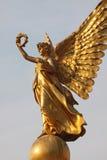 Χρυσό άγαλμα αγγέλου Στοκ Εικόνες