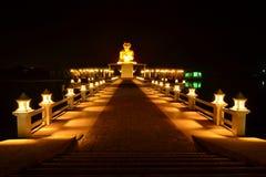 Χρυσό άγαλμα μοναχών Στοκ Φωτογραφία