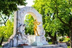 Χρυσό άγαλμα του Johann Strauss, Βιέννη Στοκ φωτογραφίες με δικαίωμα ελεύθερης χρήσης