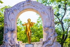 Χρυσό άγαλμα του Johann Strauss, Βιέννη Στοκ φωτογραφία με δικαίωμα ελεύθερης χρήσης