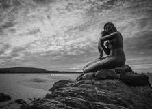Χρυσό άγαλμα γοργόνων Στοκ φωτογραφία με δικαίωμα ελεύθερης χρήσης