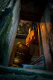 Χρυσό άγαλμα του Βούδα σε Wat Bangkung Στοκ Φωτογραφίες