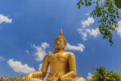 Χρυσό άγαλμα του Βούδα του μεγάλου Βούδα Στοκ φωτογραφία με δικαίωμα ελεύθερης χρήσης