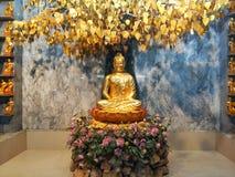 χρυσό άγαλμα του Βούδα Στοκ Εικόνες