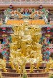 Χρυσό άγαλμα του Θεού Naja στην κινεζική λάρνακα Najasataisue τοποθετημένη Στοκ Εικόνα