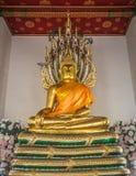 Χρυσό άγαλμα Nacprk Βούδας σε Wat Pho Στοκ Εικόνες