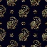 Χρυσό άνευ ραφής σχέδιο ελεφάντων Στοκ εικόνες με δικαίωμα ελεύθερης χρήσης