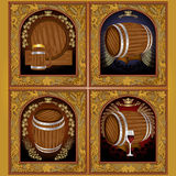 χρυσό έμβλημα τέσσερα με το βαρέλι σταφυλιών και λυκίσκου και το κρασί και την μπύρα κουπών Στοκ φωτογραφία με δικαίωμα ελεύθερης χρήσης