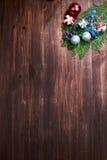 χρυσό απομονωμένο λευκό κορδελλών δώρων Χριστουγέννων κιβωτίων συνόρων ανασκόπησης Στοκ εικόνα με δικαίωμα ελεύθερης χρήσης