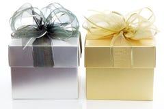 χρυσό ασήμι δώρων κιβωτίων Στοκ Φωτογραφία