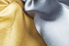 χρυσό ασήμι μεταξιού Στοκ εικόνα με δικαίωμα ελεύθερης χρήσης