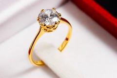 Χρυσό δαχτυλίδι διαμαντιών Στοκ Φωτογραφία
