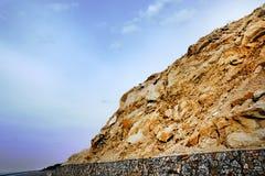 Χρυσό βουνό και μυστικός ουρανός Στοκ φωτογραφία με δικαίωμα ελεύθερης χρήσης