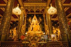 Χρυσό γλυπτό του αγάλματος του Βούδα, γνωστό ως Phra Phuttha Chinnarat στο ναό Wat Phra Sri Rattana Mahathat και το ομορφότερο Bu Στοκ Εικόνες