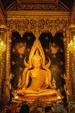Χρυσό γλυπτό του αγάλματος του Βούδα, γνωστό ως Phra Phuttha Chinnarat στο ναό Wat Phra Sri Rattana Mahathat και το ομορφότερο Bu Στοκ φωτογραφία με δικαίωμα ελεύθερης χρήσης