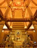 χρυσό ειρηνικό σύμβολο Ταϊλάνδη του Βούδα στοκ εικόνα με δικαίωμα ελεύθερης χρήσης
