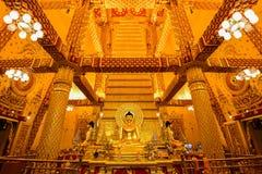 χρυσό ειρηνικό σύμβολο Ταϊλάνδη του Βούδα στοκ φωτογραφία με δικαίωμα ελεύθερης χρήσης
