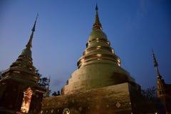 χρυσό ειρηνικό σύμβολο Ταϊλάνδη του Βούδα Στοκ εικόνες με δικαίωμα ελεύθερης χρήσης